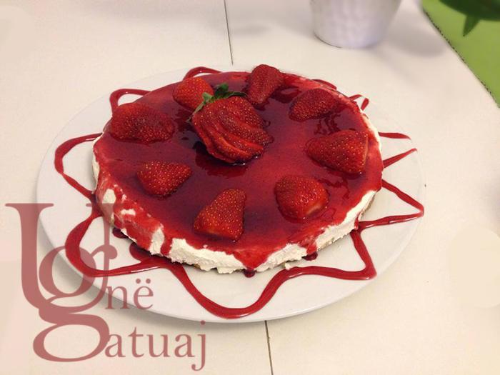 Tortë djathi (cheesecake) me luleshtrydhe