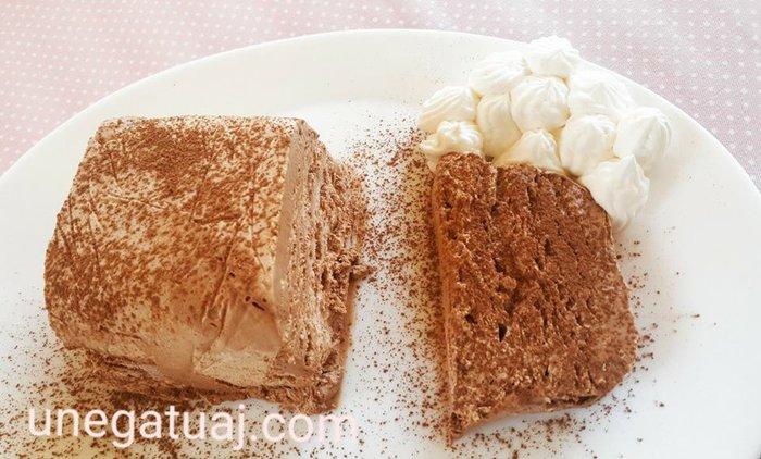 Semifreddo me çokollatë të zezë (ëmbelsirë e ftohtë)